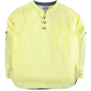 Civil Boys The ages of 10-13 boys shirt yellow boy in the civil